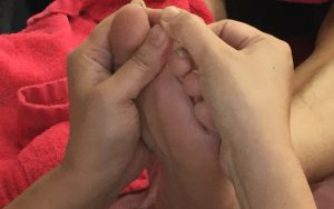 【体験会】足裏を刺激してカラダの不調を改善してみよう!「リフレクソロジー」授業体験 @ 九州医療スポーツ専門学校附属ナショナル整体学院